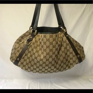 Gucci Monogram Abbey medium shoulder bag